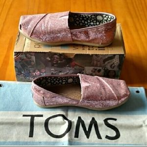 Tom's Classic Glitter' Slip-On Pink size 5.5